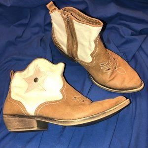 🔥SALE American Rag western cowboy ankle boot 7.5